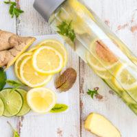 L'approche naturopathique et holistique de la santé: detoxination, alimentation vivante, équilibre acido-basique, quelle eau boire?